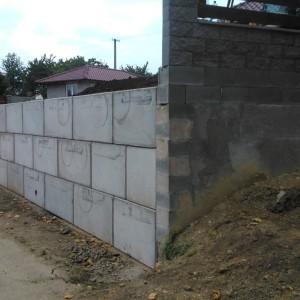 Opěrná zeď – Poďousy