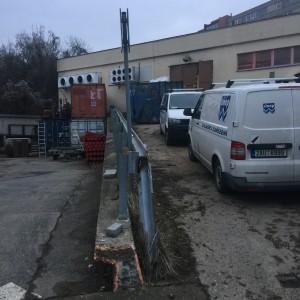 Rampa pro kamion – opěrná stěna