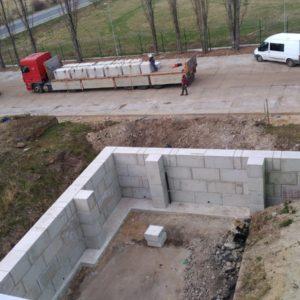 Opěrná stěna – Horní Počernice